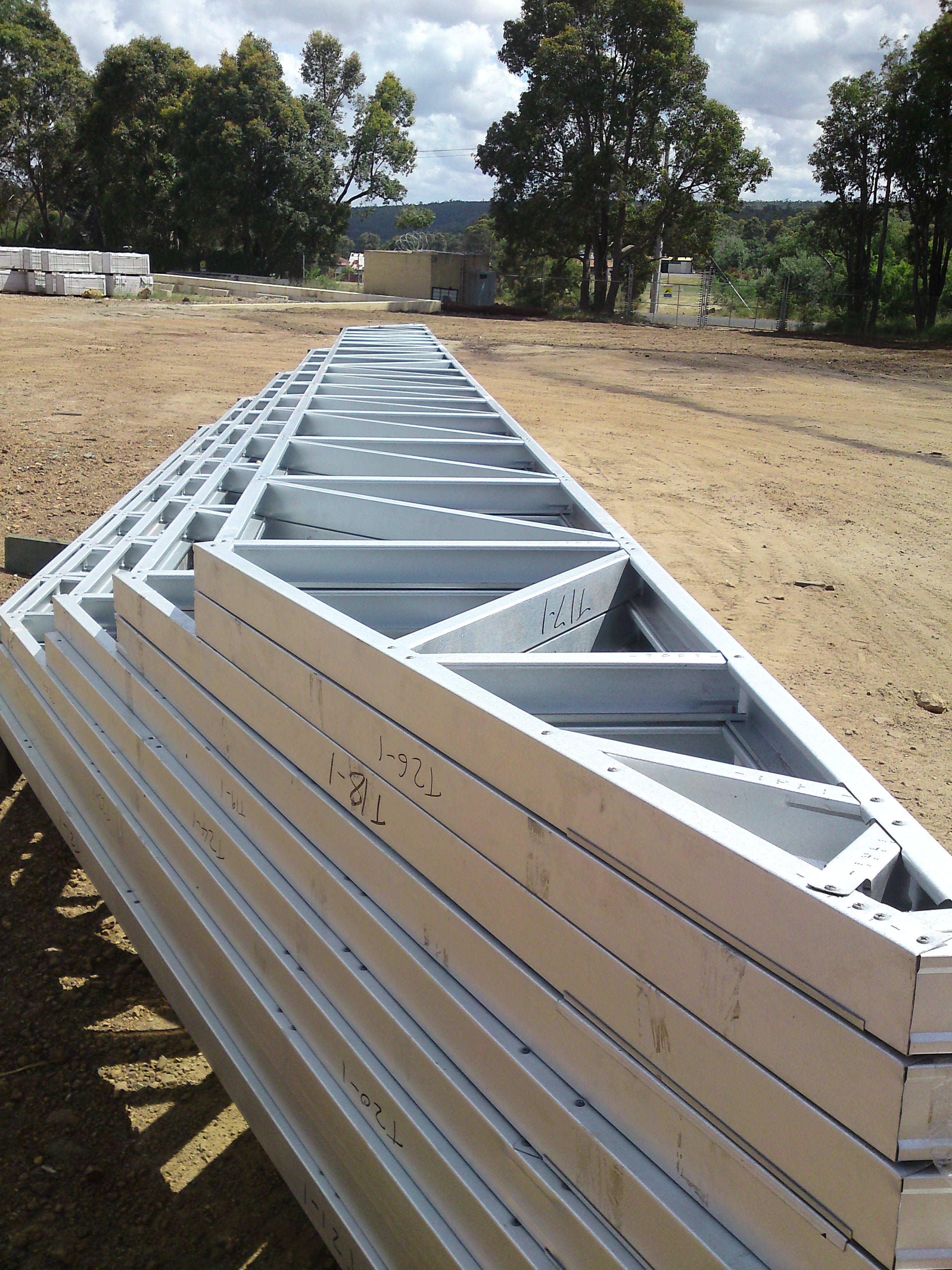 Trade price frames and trusses home wa western Pre made roof trusses